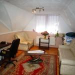 Eladó egy két generációnak is alkalmas 220 m2-s családi ház Isaszegen.