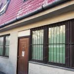 Szolnokon a Baross úton 100 m2-es üzlethelyiség eladó!